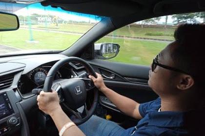 Waspadai 3 Kesalahan Menyetir Mobil Matik Berikut Ini!