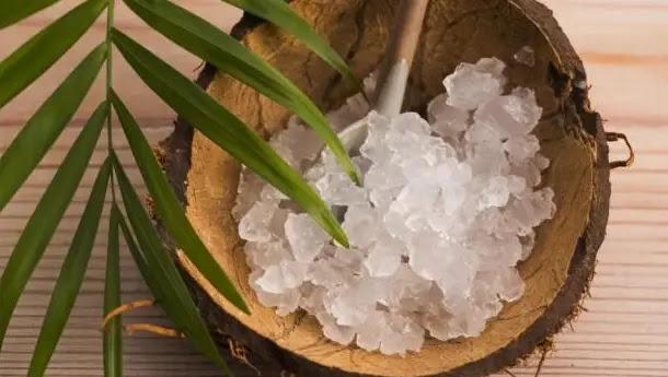 يتكون ماء الكفير عن طريق استخدام ماء جوز الهند أو المياه المعدنية لإضافة السكر البني أو السكر البني