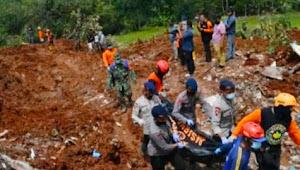 Korban longsor di Nganjuk, semua ditemukan Dua orang selamat