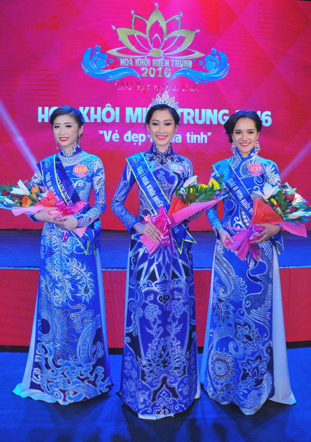 2016 l HOA KHÔI MIỀN TRUNG l ĐOÀN HỒNG TRANG Hoa-khoi-doan-hong-trang-09