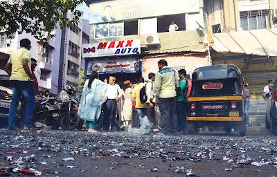 ठाण्यात स्वच्छ भारत अभियानाचा भाजपाकडून धुवाँ!,खोपटमध्ये गॅस पंपासमोर फटाके फोडून आरक्षण जल्लोष