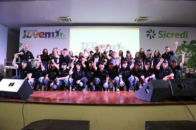 Young Night Sicredi reúne mais de 2 mil jovens