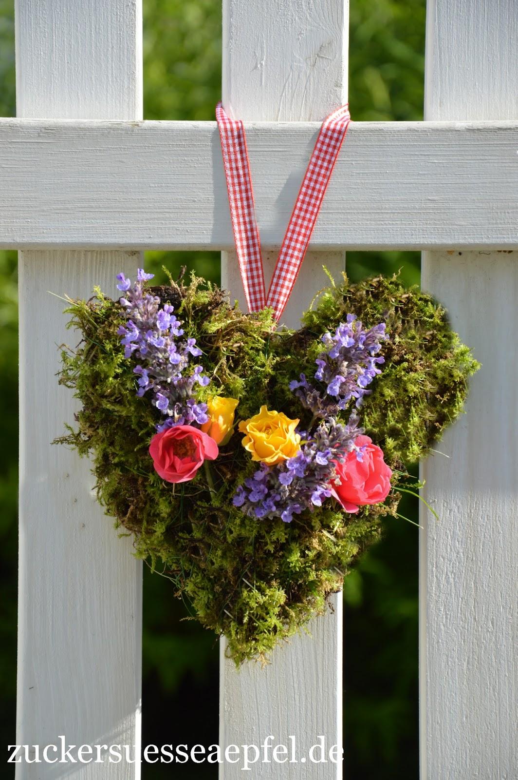 Blumen Aus Krepppapier Hochzeit Sag Ja Zu Blumigen Buchstaben Und