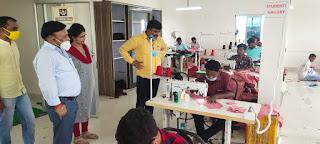 प्रवासी कारीगरों, कौशल विकास के तहत तैयार यूनिफार्म ही प्राथमिक विद्यालय में वितरित होंगे : BEO | #NayaSaveraNetwork