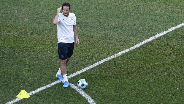 Van Dijk Mengatakan Chelsea Sangat Berbeda Tanpa Hazard 2019