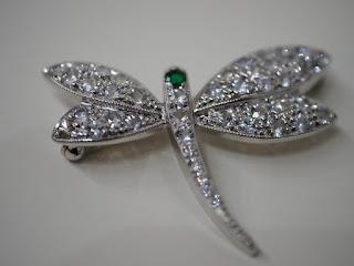 K18WG製の蜻蛉(トンボ)ミニブローチをお買取り致しました