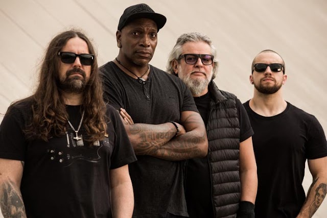 "Sepultura apresentam versão ""lockdown"" de ""Capital Enslavement"""