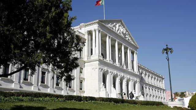 Portugal | Novo Parlamento no masculino, com mais mulheres e 93 novos deputados