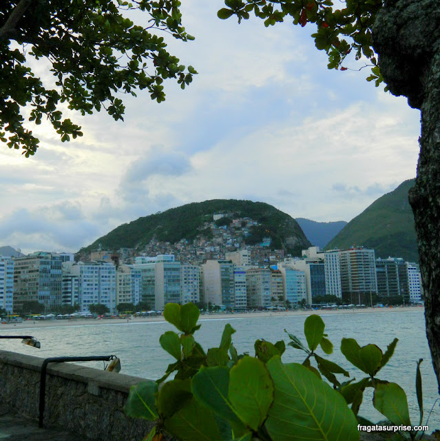 O bairro de Copacabana visto do Forte de Copacabana
