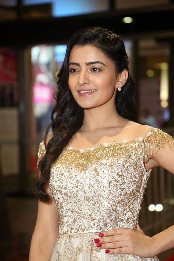Rukshar Mir at Jio Filmfare South Awards 2017 allcinemanews.com
