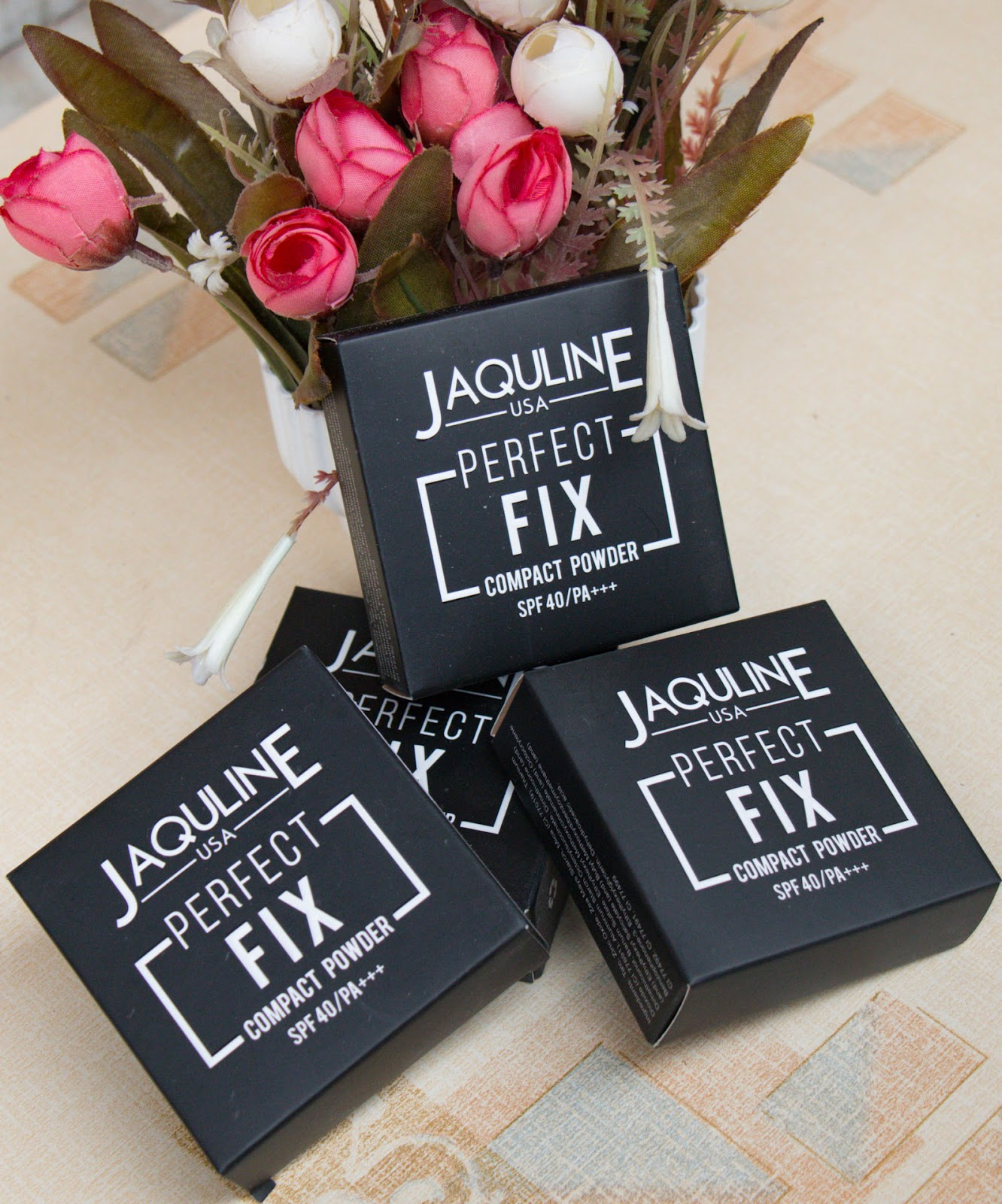 Jaquline USA Compact Powder Packaging