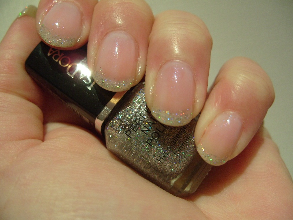 pretty perfect beauty notd glitter french manicure. Black Bedroom Furniture Sets. Home Design Ideas