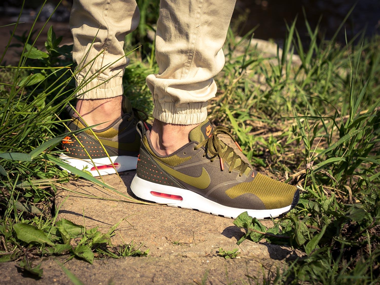 SOLEKITCHEN  Nike Air Max Tavas in Olive-Flak 85faafa42
