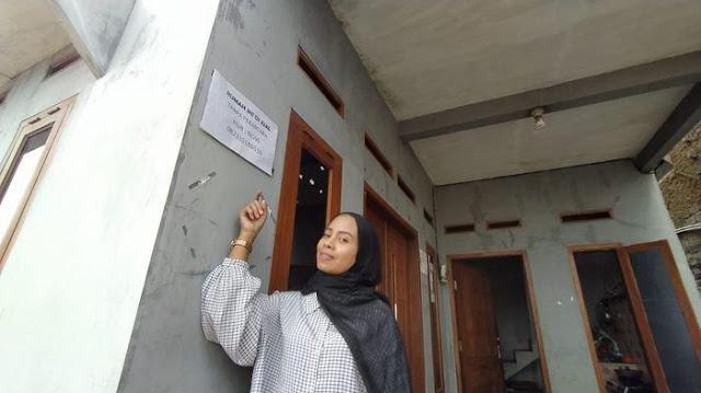 Janda Muda Asal Bandung Jual Rumah Bonus Nikahi Dirinya, Barangkali Ada Yang Minat?