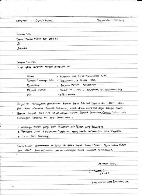 Contoh Surat Lamaran Kerja Tulis Tangan (via: bergaya.id)