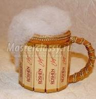 подарок на 23 февраля своими руками из конфет пиво из конфет
