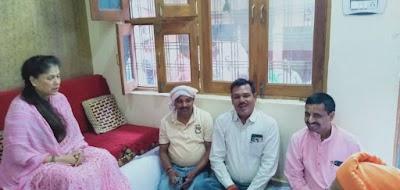 व्यावसाई राजेन्द्र गुप्ता के मातृशोक पर पूर्व कैबीनेट मंत्री यशोधरा राजे सिंधिया ने जताई संवेदना | Shivpuri News