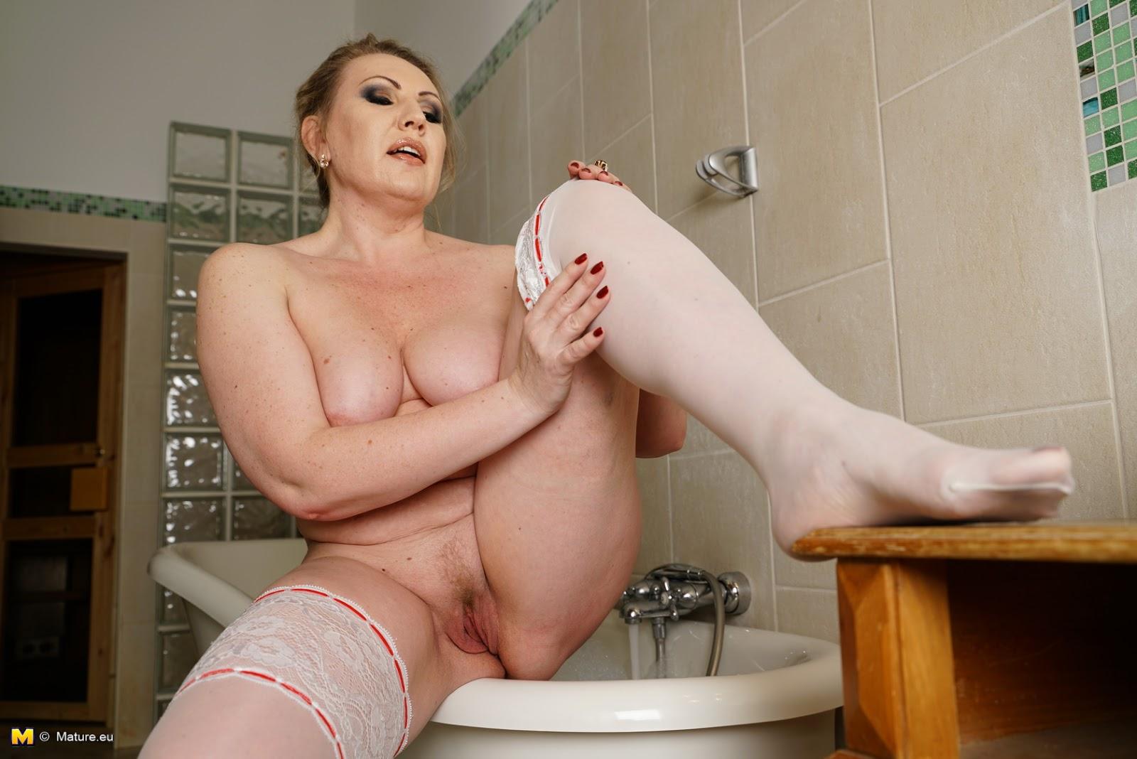 Mature Lady Sex Porn