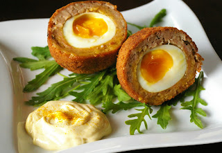 scotch egg, szkockie jajka, jajka w mięsie