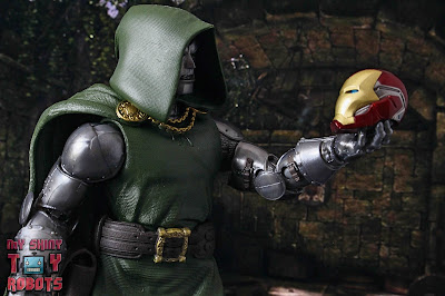 Marvel Legends Doctor Doom 40