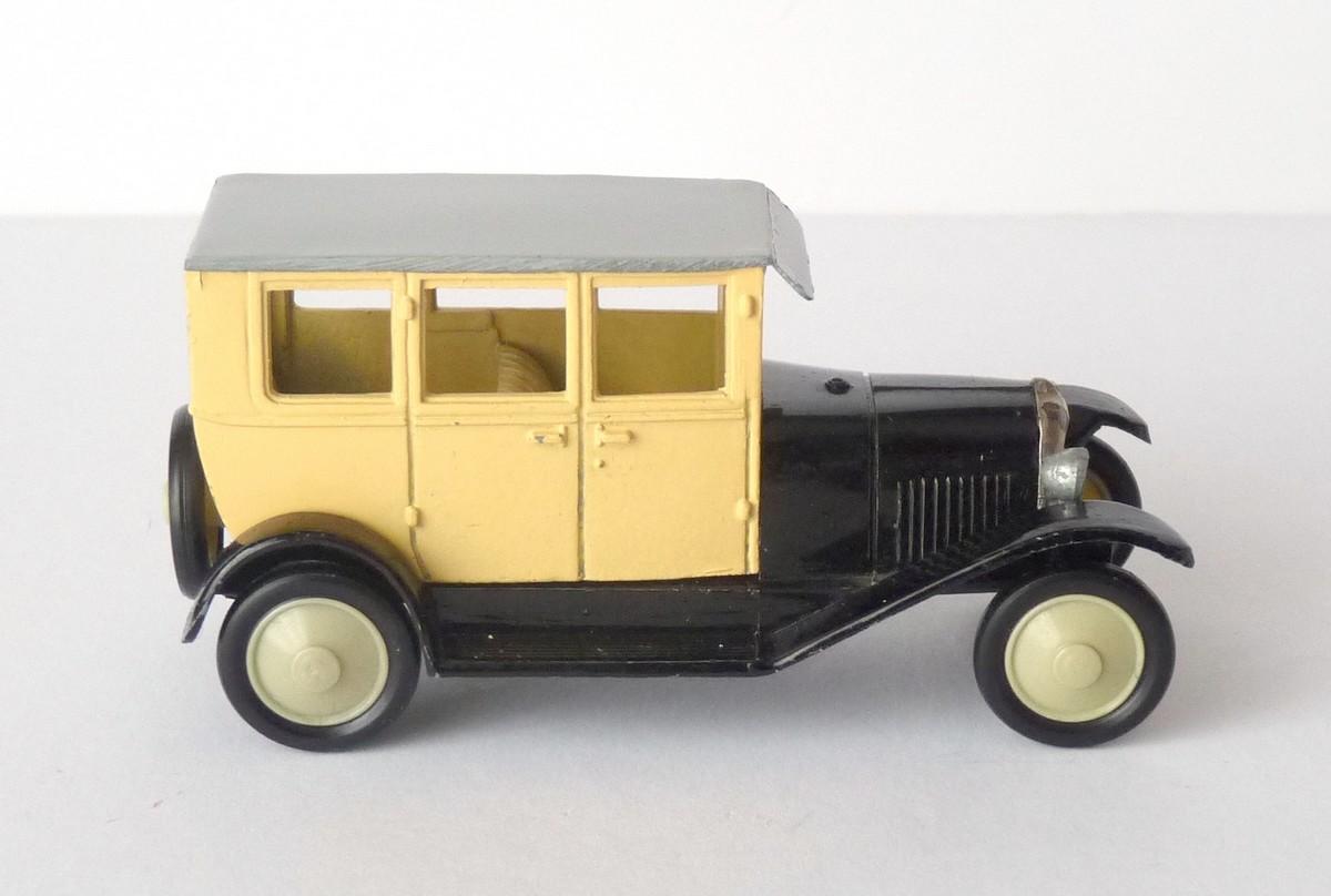 Garage de poche jip citro n b2 1925 rami jmk for Garage citroen la fleche