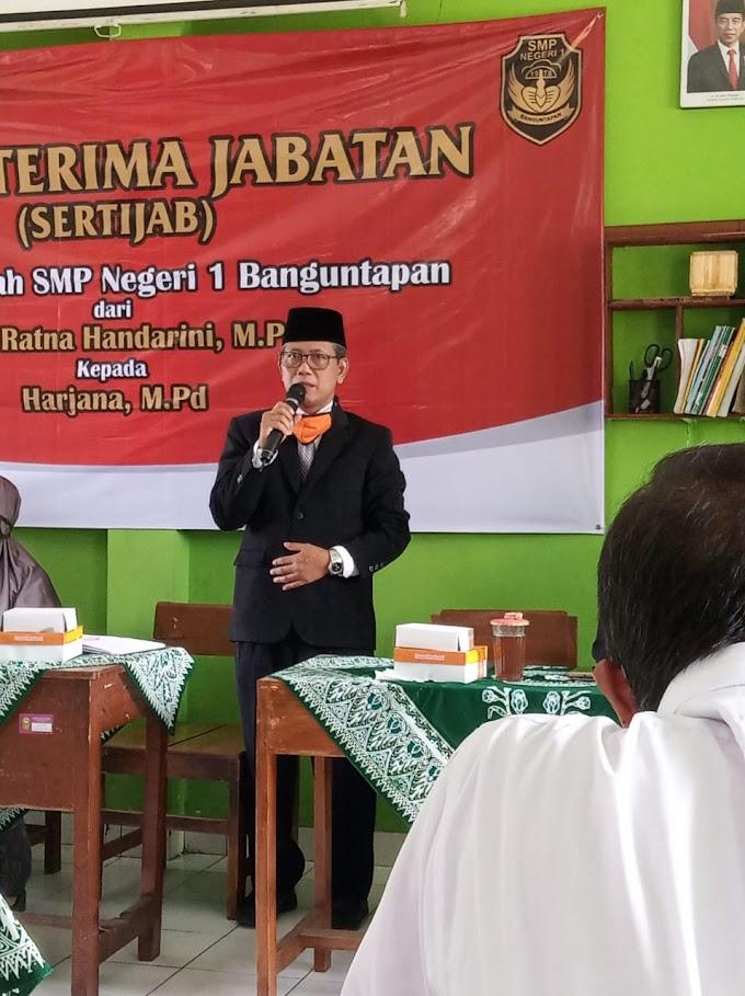 Bapak Harjana, M.Pd Kepala Seklah Baru SMP 1 Banguntapan
