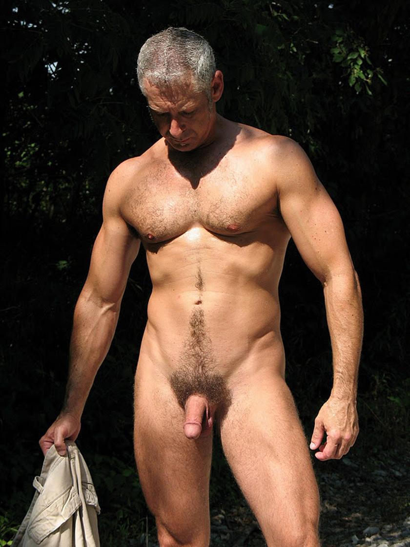 Naked mature sexy man — img 1