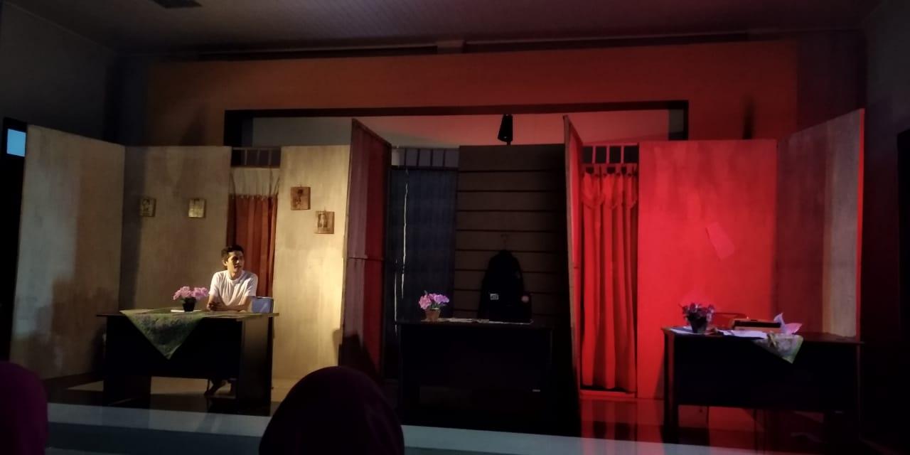 Pertunjukan teater