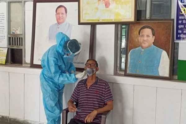 faridabad-ex-mla-vipul-goel-corona-test-camp-sector-16-office-news
