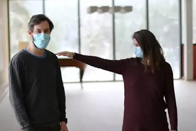 ارتداء الكمامة تزيد من فرص الاصابة ب كوفيد-19