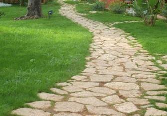 Arredamento country pavimento in pietra per giardino country for Pietre da giardino
