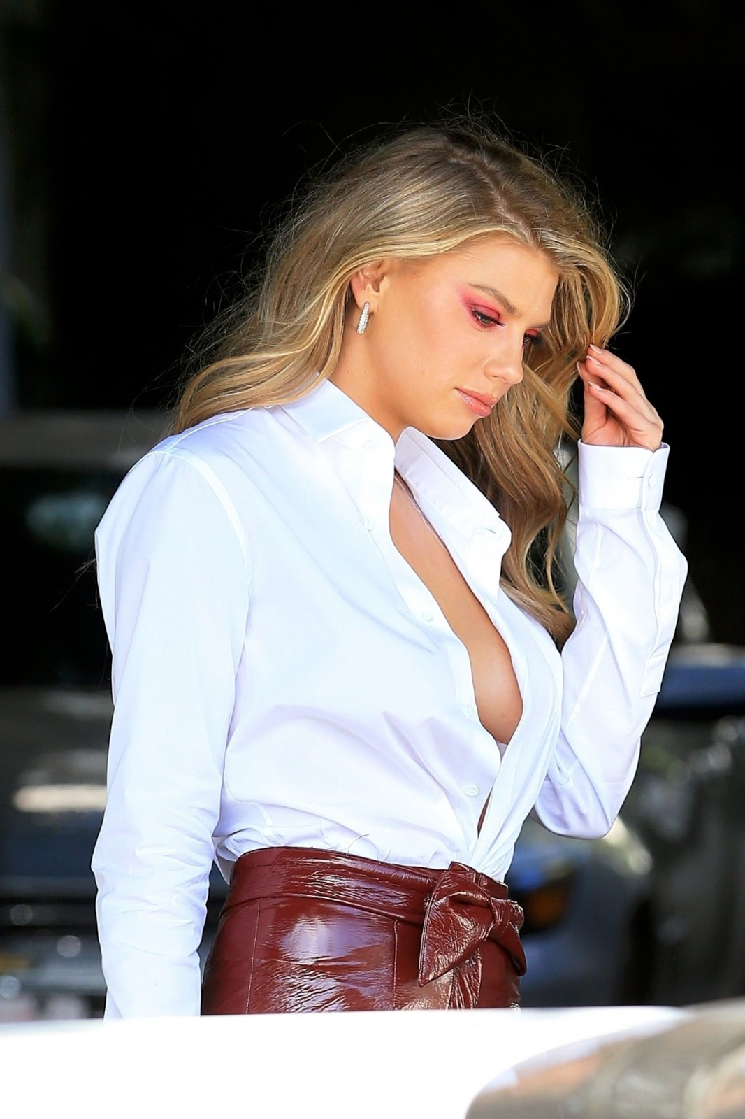 Charlotte McKinney style out braless photo
