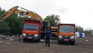 DLH Kota Bima Sapu Bersih Sampah di Pasar Amahami