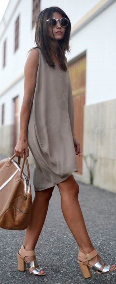 cute summer outfit idea: bag + dress + heels