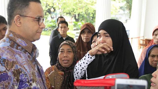 Gubernur Anies Kirim Ambulans untuk Evakuasi Korban Tsunami Anyer