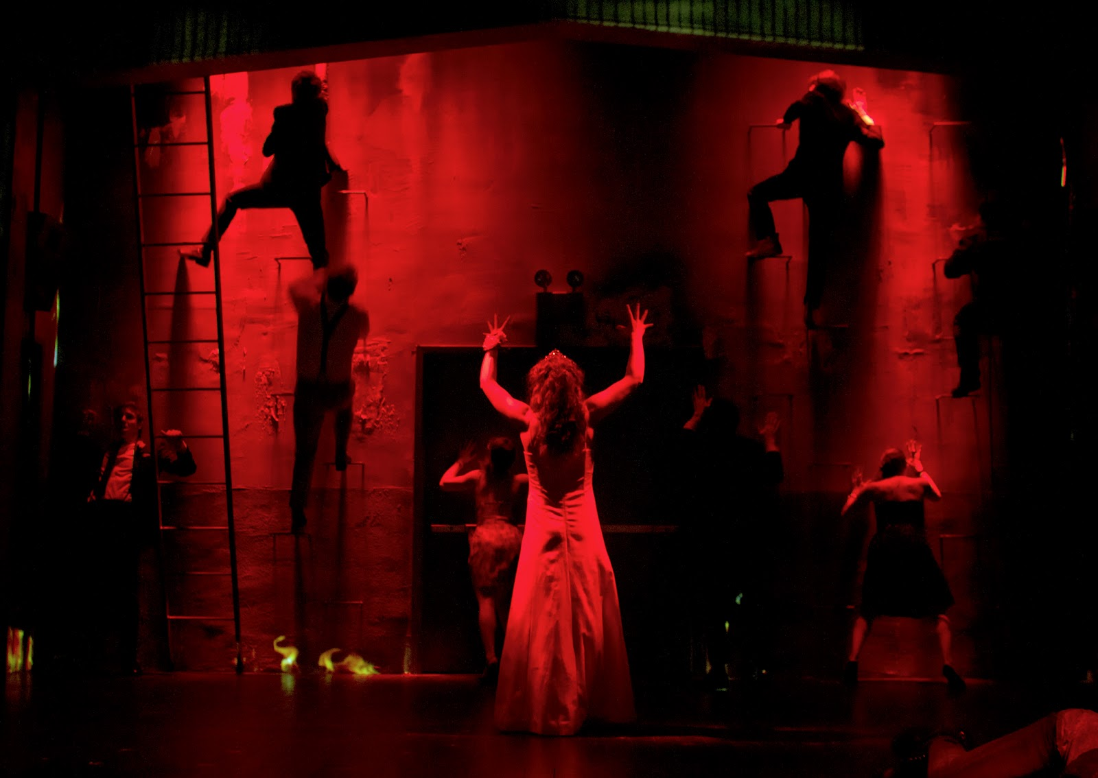 Reflections In The Light Quick Hit Theater Review Carrie