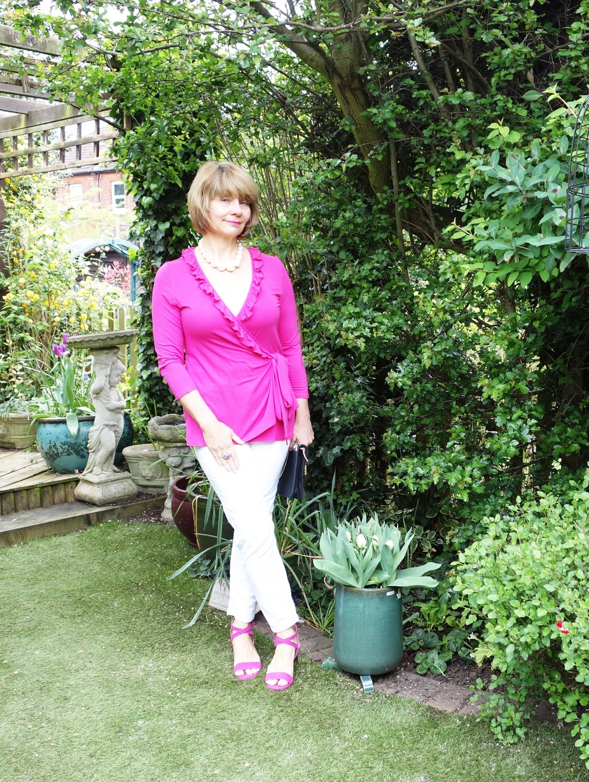 Is This Mutton's Gail Hanlon in pink Kaliko top and pink Topshop sandals