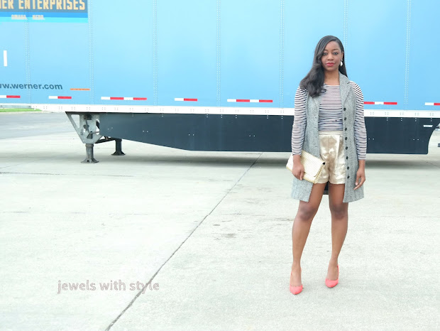 spring transition outfit, orange heels, gold shorts, how to transition into spring, how to wear a sleeveless vest, how to wear gold, how to wear metallics, jewels with style, ohio style blogger, columbus wardrobe stylist