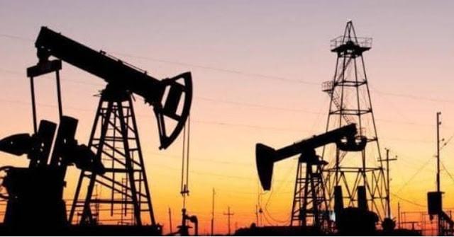 اسعار النفط تسجل أكبر أنخفاض في أكثر من 10 سنوات