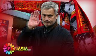 Mourinho Minta Maaf Kepada Pendukung MU Setelah Kalah Telak Di Kandang The Blue