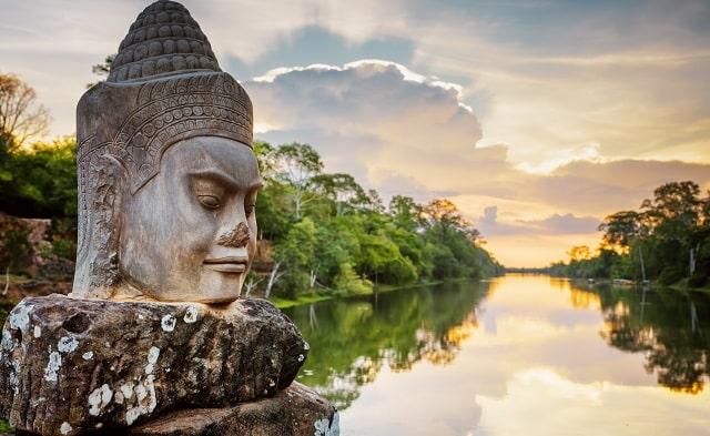 explore cambodian capital travel guide phnom penh