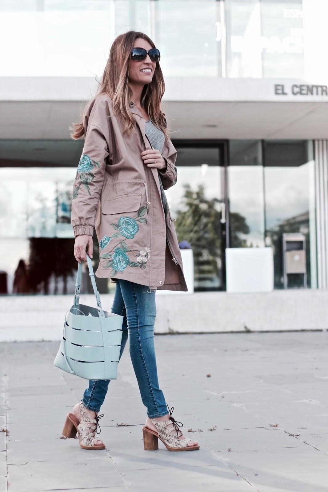 chaqueta con bordados