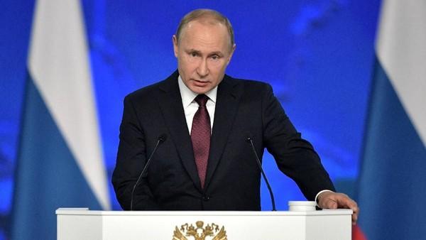 Putin Umumkan Bonus Rp 2,1 Triliun untuk Tenaga Medis Tangani Pasien Corona