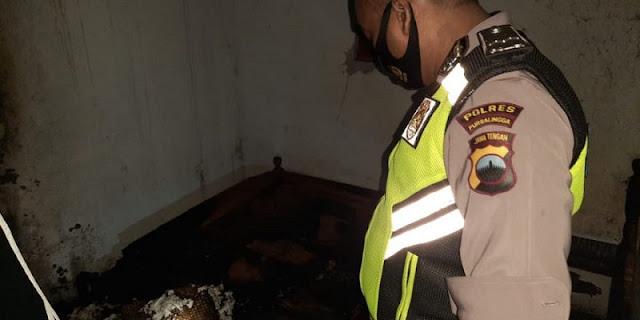 Diduga Sembrono Buang Puntung Rokok, Kamar Warga Kemangkon Hangus Terbakar