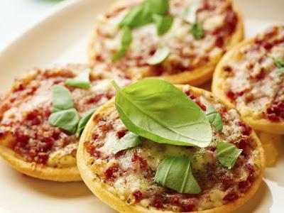قطع البيتزا الصغيرة - ميني بيتز
