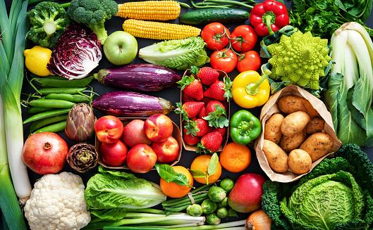 Makan buah dan sayur cara menjaga kesehatan tubuh