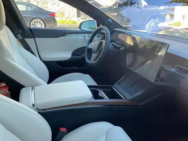 Novo Tesla Model S 2022 é avistado nas ruas da Califórnia
