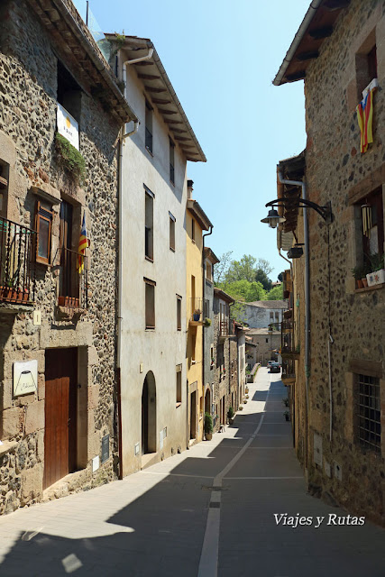 Calle Mayor de Santa Pau, Girona