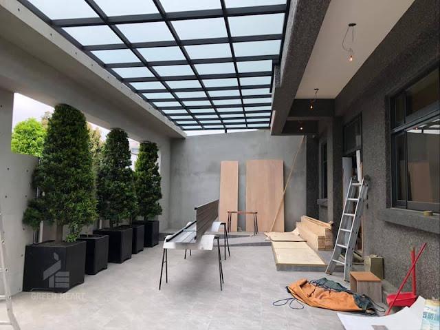 竹南透天設計案🏡系統櫃努力施工中🌳有了植物陪襯整個綠意盎然