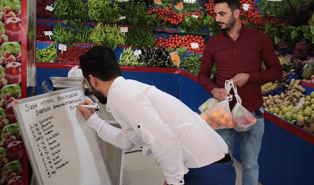 Sancaktepe'li esnafın iyilik heraketi tüm Türkiye'ye örnek olmalı